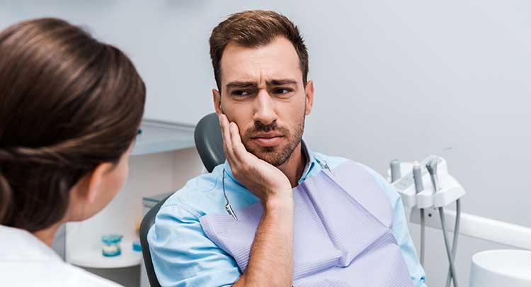 dolor de muelas cuando no hay caries clínica dental en Toledo Polident